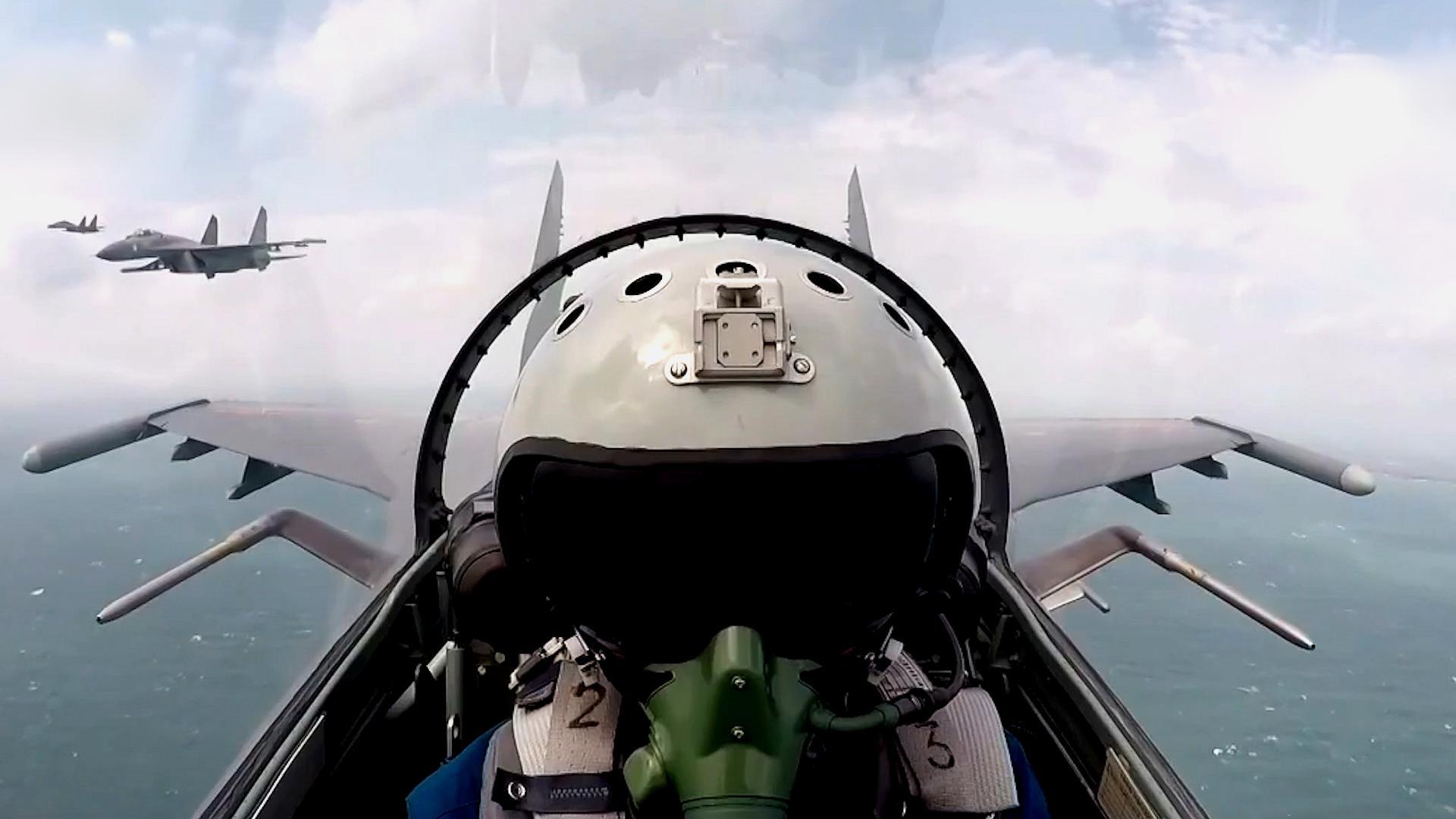 霸气!空军首次公开海上驱离外机影音,飞行员双语喊话警告