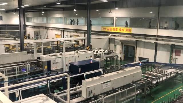探访农夫山泉工厂,揭秘全自动生产线,你喝的可能就是这里生产的