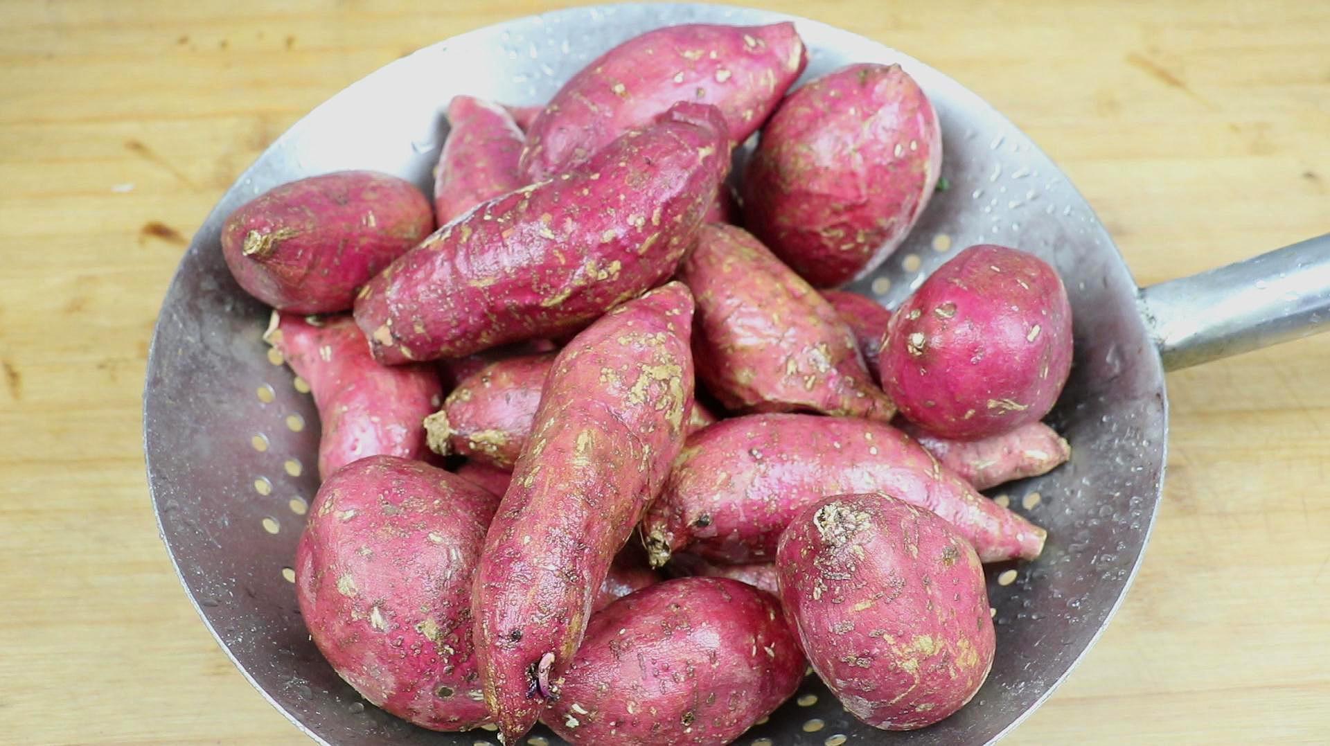 教你小红薯秘制吃法,不加一滴水,不用一滴油,一次5斤不够吃