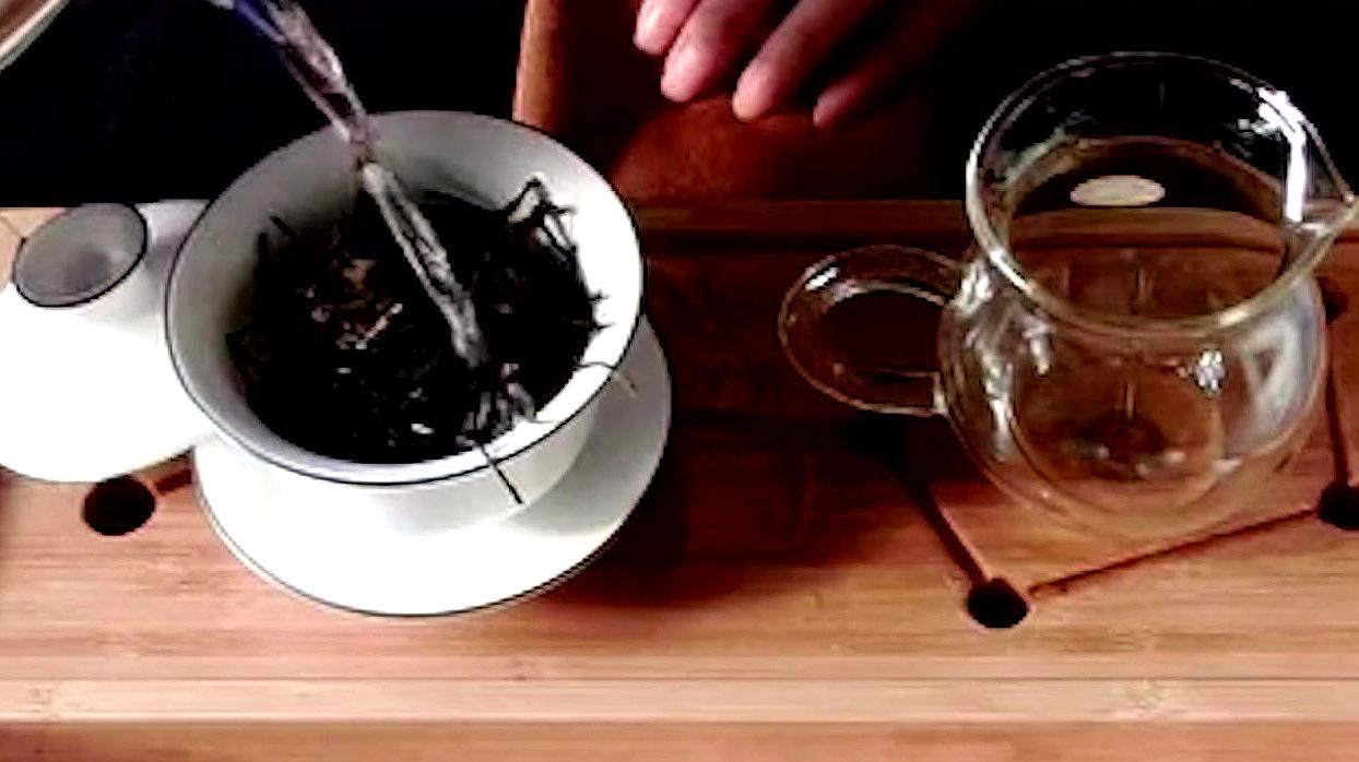 红茶跟绿茶到底有啥区别?选择适合自己的,才是最好的