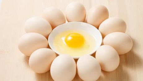 鸡蛋有这3种特征千万不要吃,毒性堪比砒霜,极易引发食物中毒