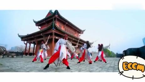 中国古风舞蹈《剑舞》,谁说女子不如男