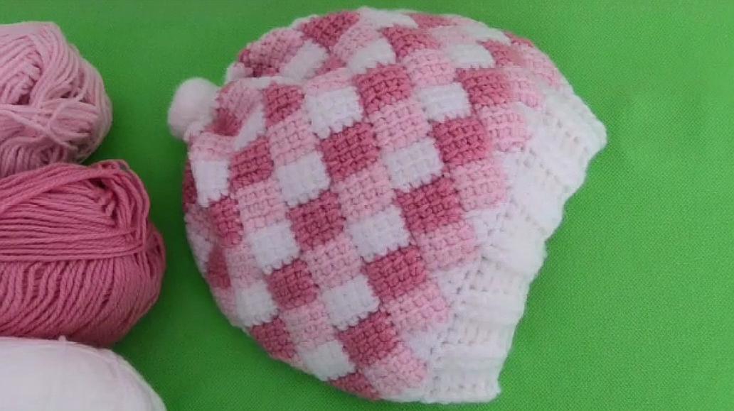 钩针编织方格花样的儿童帽,萌宝戴上到哪都是焦点,宝妈值得拥有