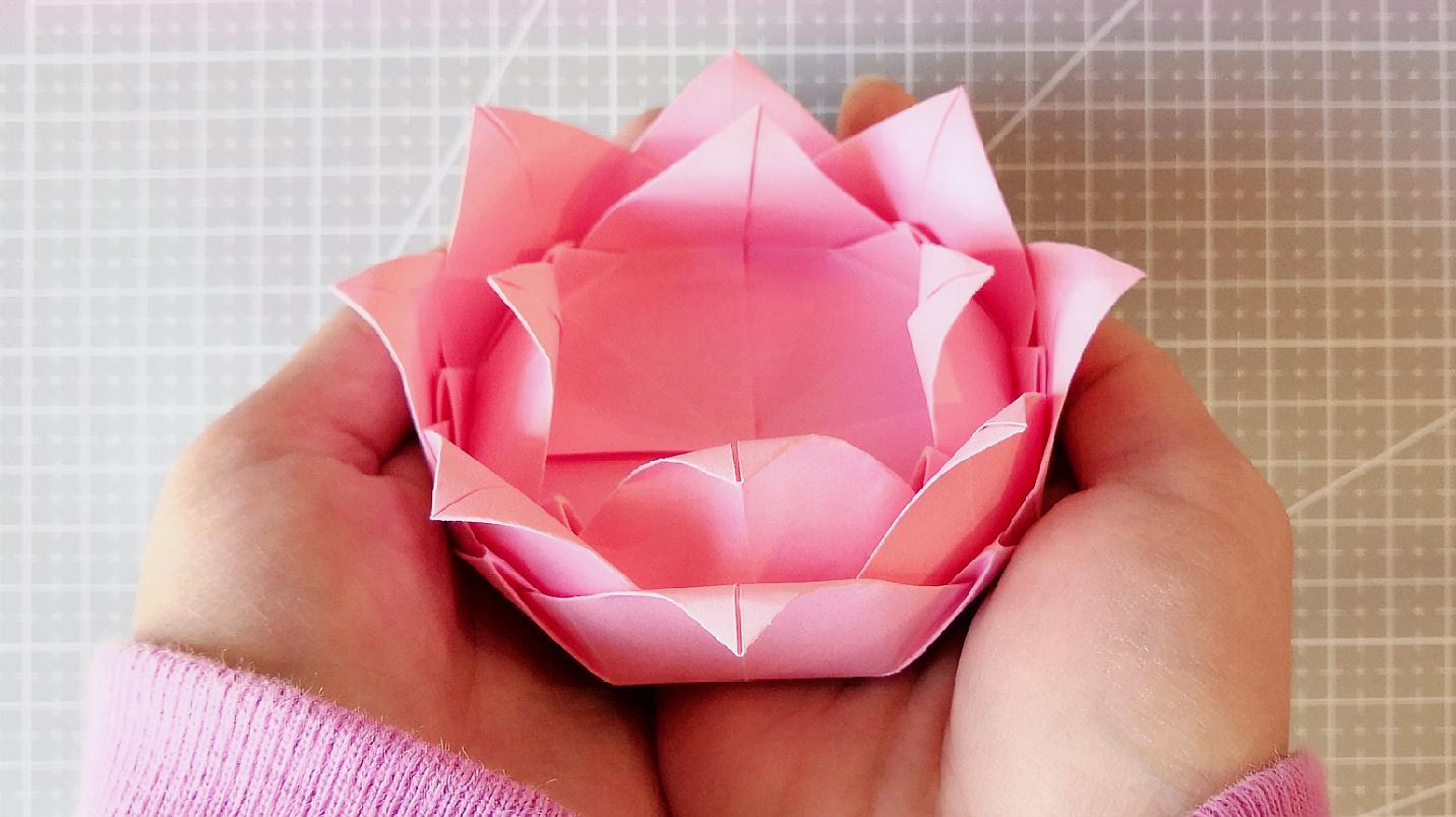 来学习莲花盒子的折法吧,既漂亮又实用
