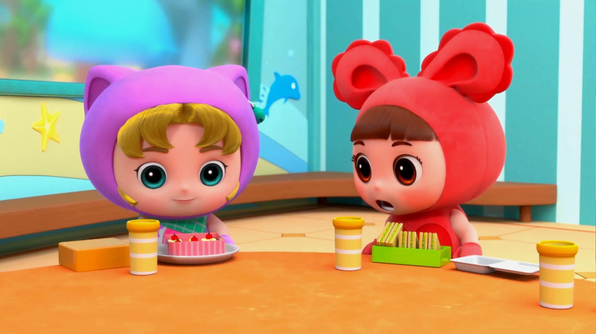 百变校巴:小茜的食物真漂亮,一定会很好吃的,迪迪好羡慕呀