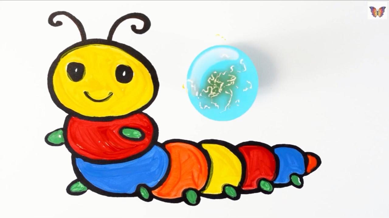 1毛毛虫的简笔画,毛毛虫的身体是一节一节的,所以我们先画出头部以后图片