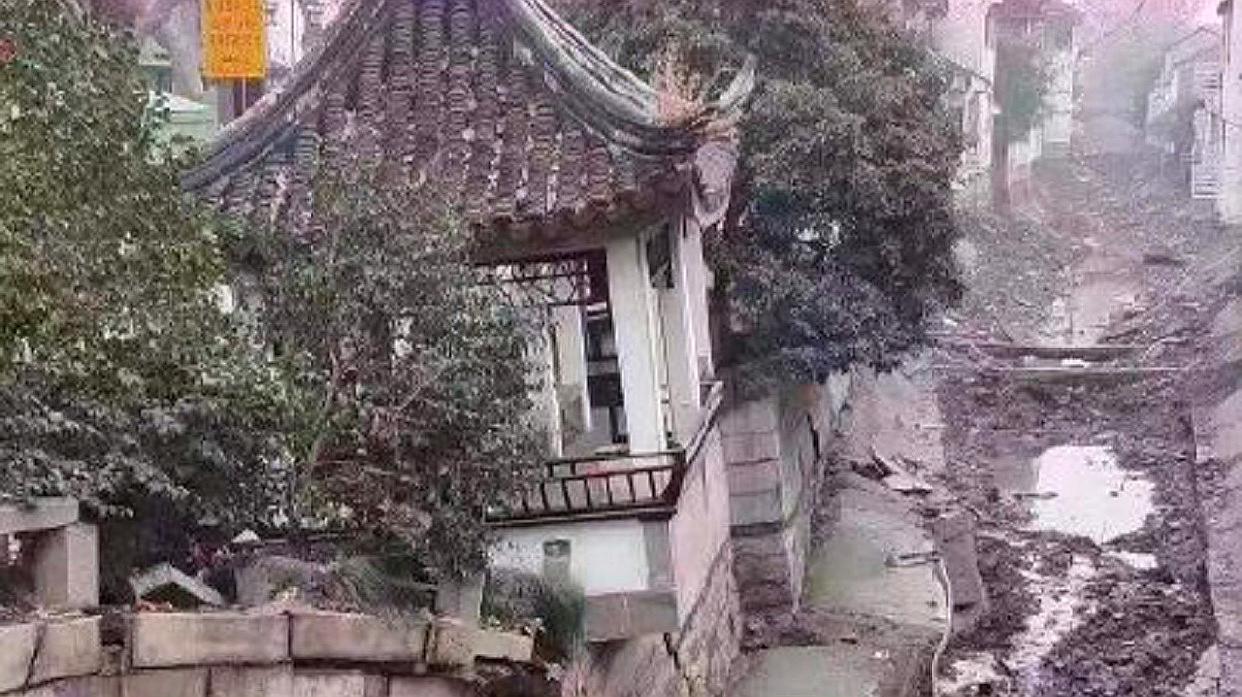 现场视频曝光!苏州十全街附近突发塌陷,目击者:能听到轰轰声