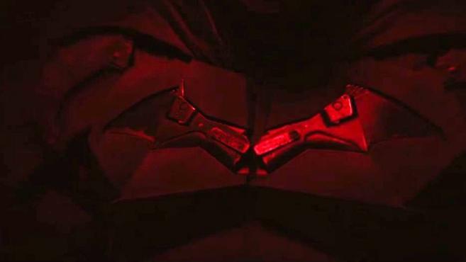 新版《蝙蝠侠》造型曝光预告