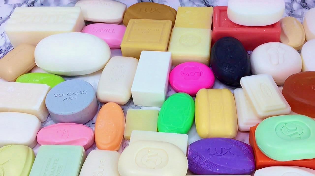 小姐姐拆了一大堆香皂包装,声控的ASMR福利又来了