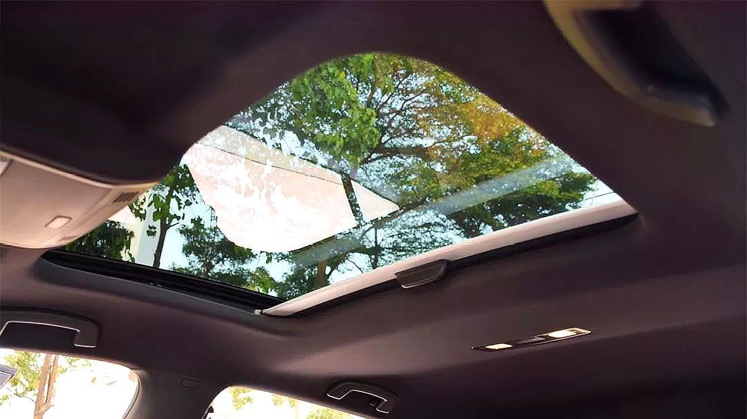 买车到底要不要天窗?老司机告诉你利弊,买车再也不用纠结