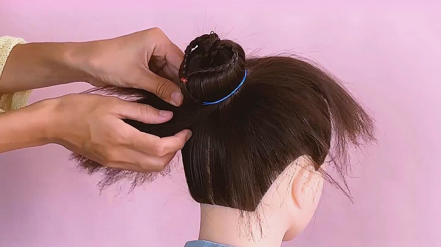 儿童爱心发型怎么扎?