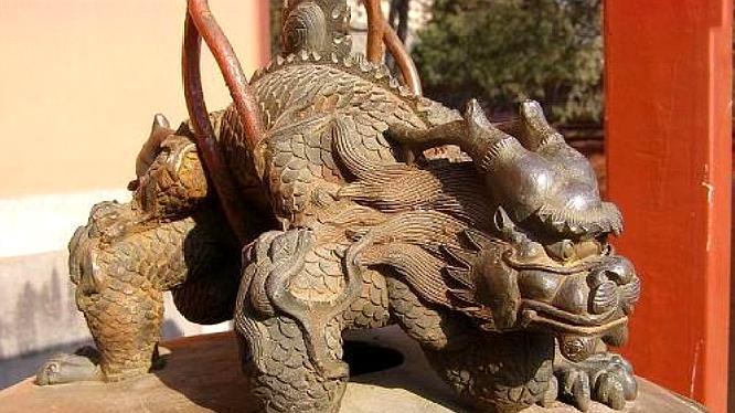 龙生九子各有不同,为何没一个长得像龙?看看它们的母亲就知道了