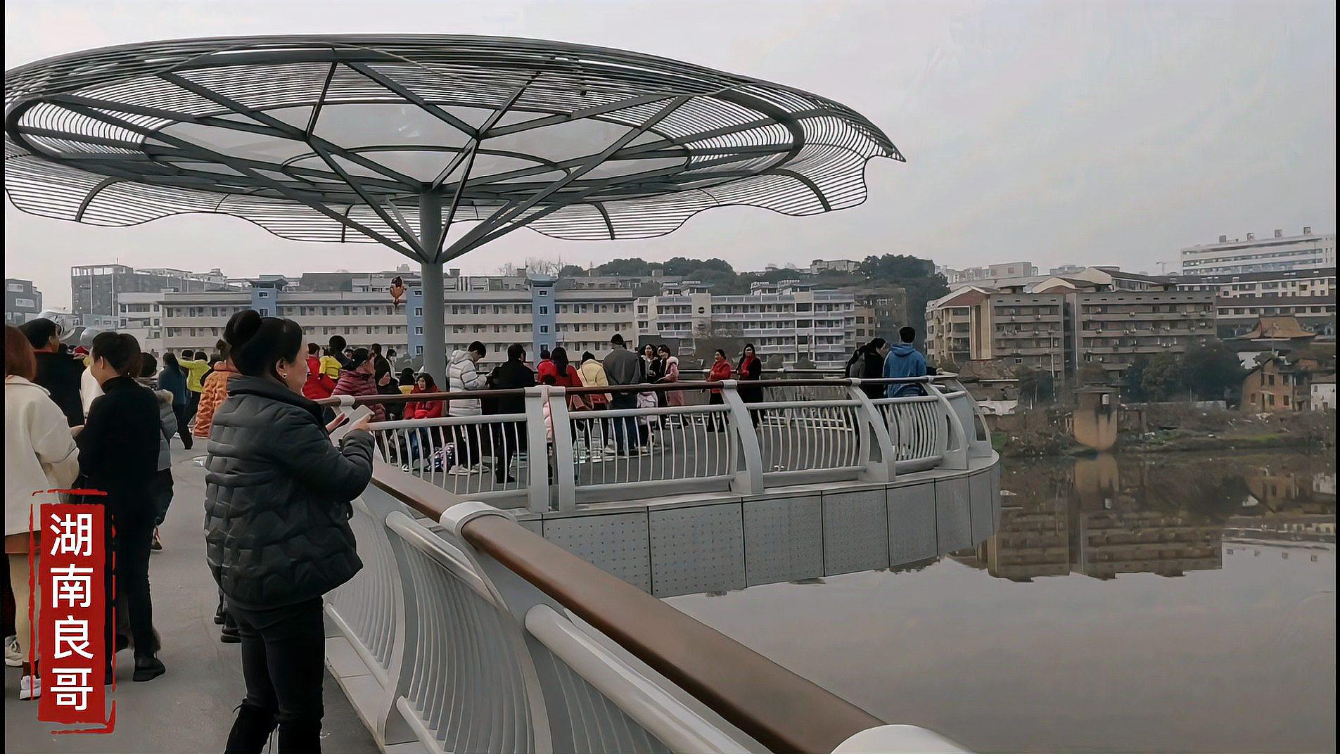 醴陵网红打卡圣地青云桥,春节回来的老乡聚集人潮涌动热闹非凡