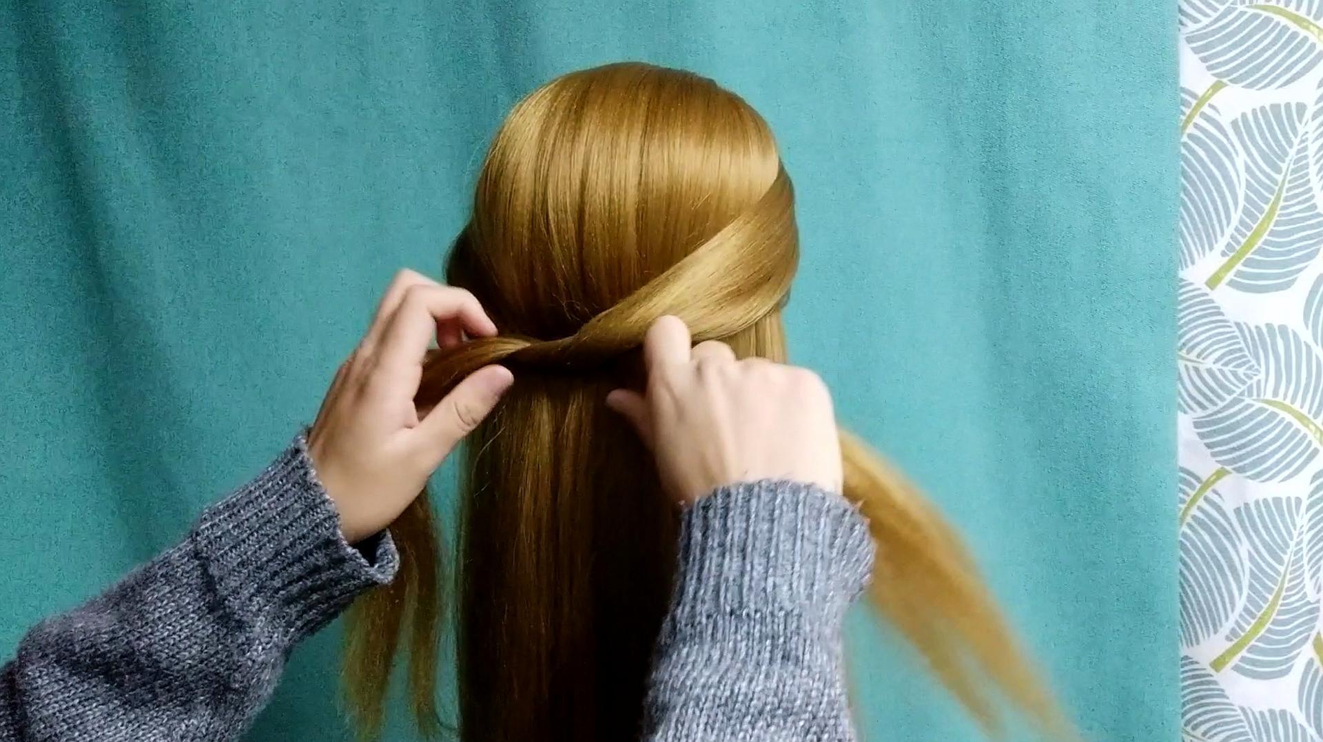 只要30秒就能学会的发型,一根皮筋就能搞定