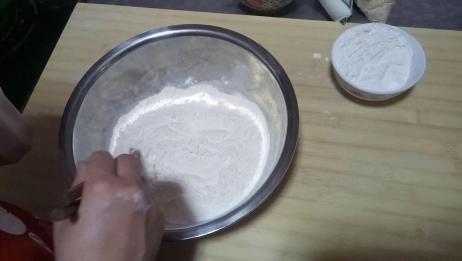 白糖芝麻饼做法详解,香酥起层味道好,一学就会
