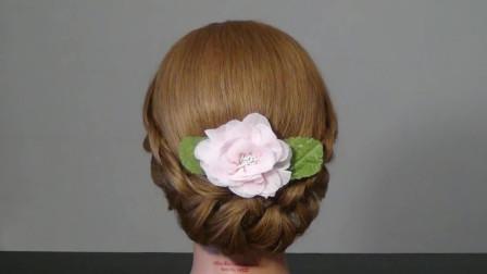 带点复古感 优雅 古典  01:39  腾讯视频 2018年流行的新娘盘发发型图片