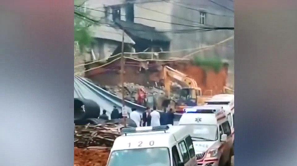 贵州金沙县一在建农贸市场堡坎垮塌 5名施工人员遇难