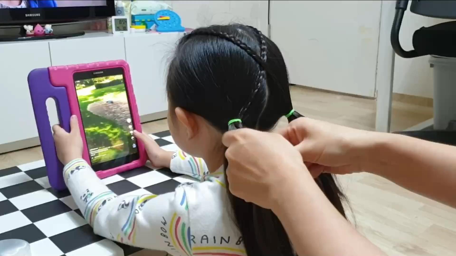 一款很简单的儿童编发,可以快速学会,超好看
