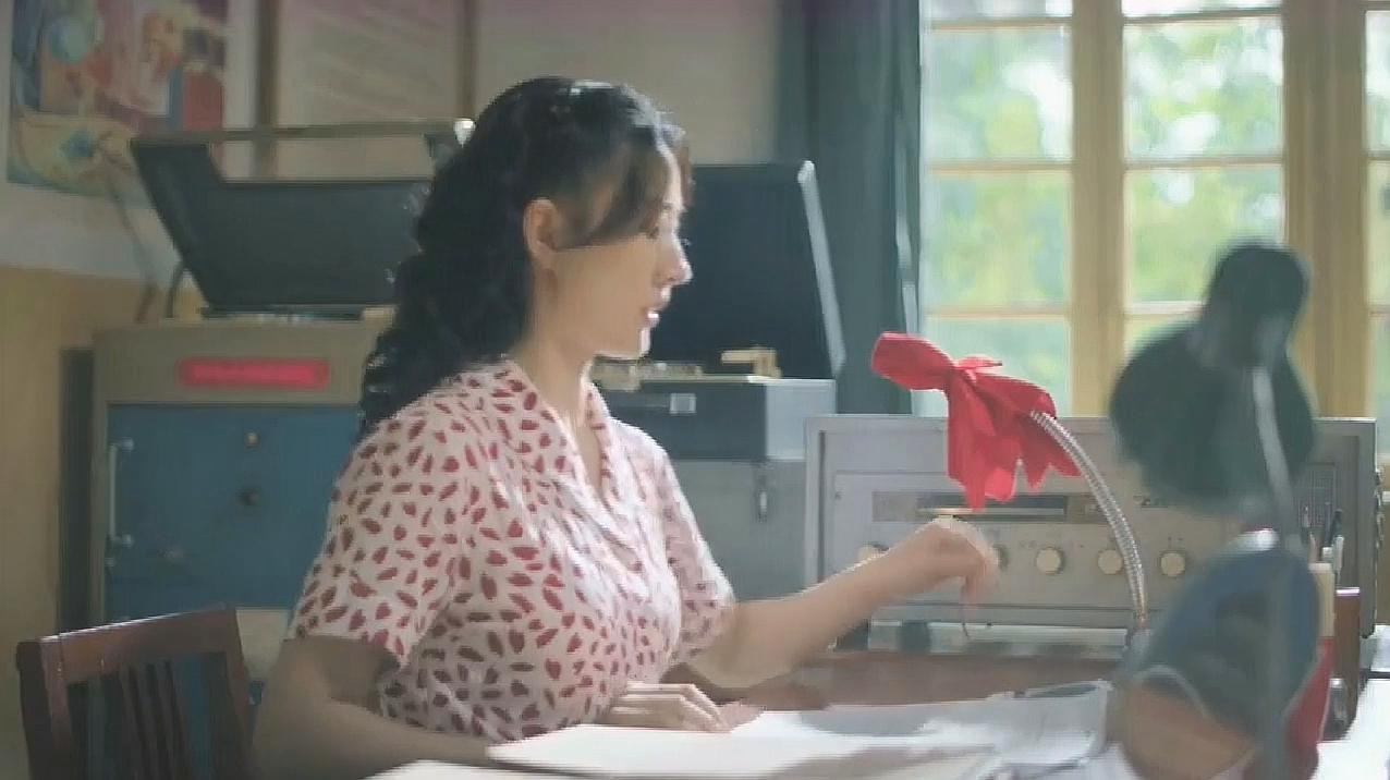 服务升级打开原网页 2《奔腾年代》剧情分解:冬妮娅离开的时候在火车图片