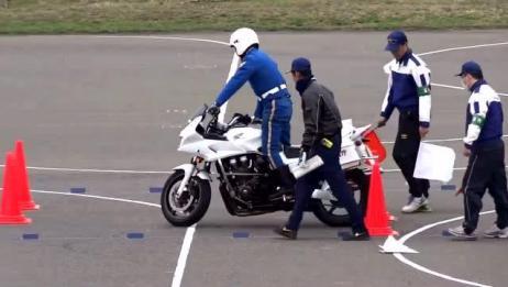 警校牛人考摩托车驾照 看的我浑身都是汗
