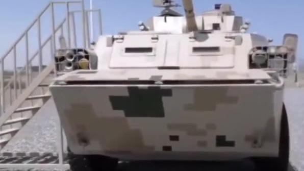 新疆库尔勒赛区装备开放参观,PLL05式120毫米自行迫榴炮。