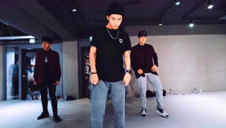街舞:小哥哥不仅颜值高,跳起舞来简直是女性观众的福利啊!