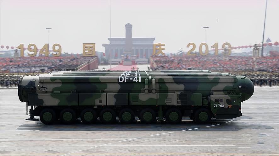 300秒回顾国庆70周年大阅兵!东风-41、歼-20震撼亮相