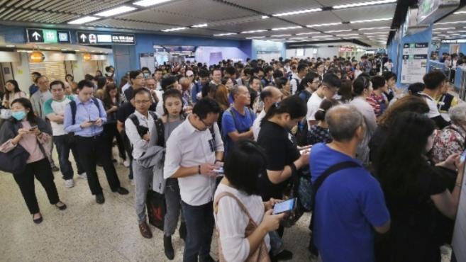 香港港铁列车屡次延误 预料罚款2000多万港币