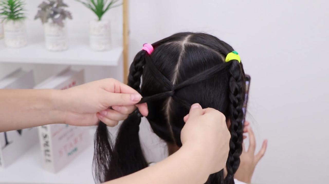 12岁长发扎头发大全 动漫资讯  2019年6月112岁女孩怎么梳头发简单图片