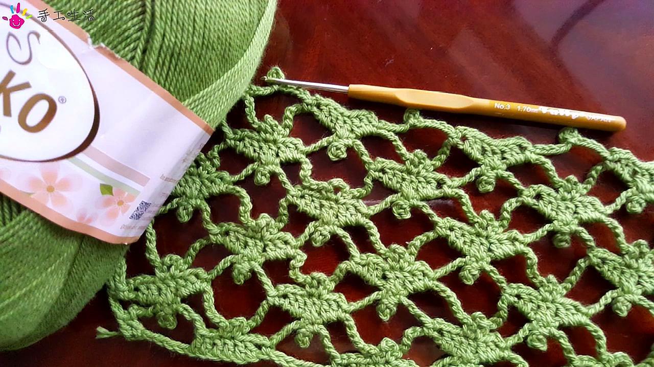 钩针编织镂空蕾丝花片,简单漂亮,织一件披肩很好看的