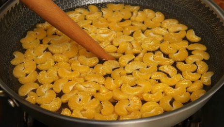 橘子不要直接吃了,开水一煮,教你在家秘制罐头,无添加吃着放心