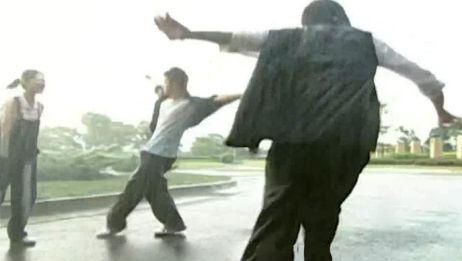 万恶之源!抖音热曲配上影视片段,一言不合就尬舞,完美踩点!
