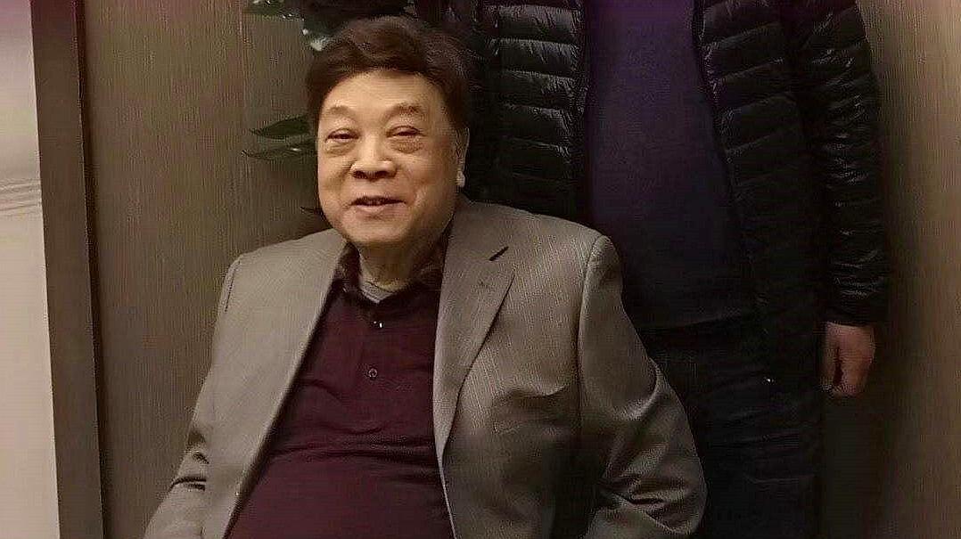 赵忠祥去世引全网悼念,姜昆发文却惹起争议,被吐槽很不尊重人!