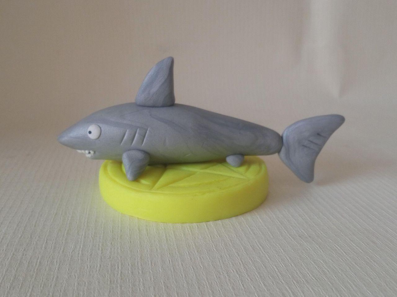 橡皮泥手工制作图鲨鱼