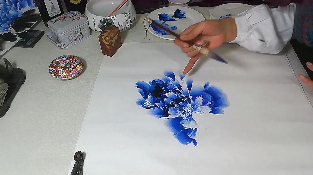 国画教学:郭萍老师示范教学,国画牡丹花头画法,值得收藏