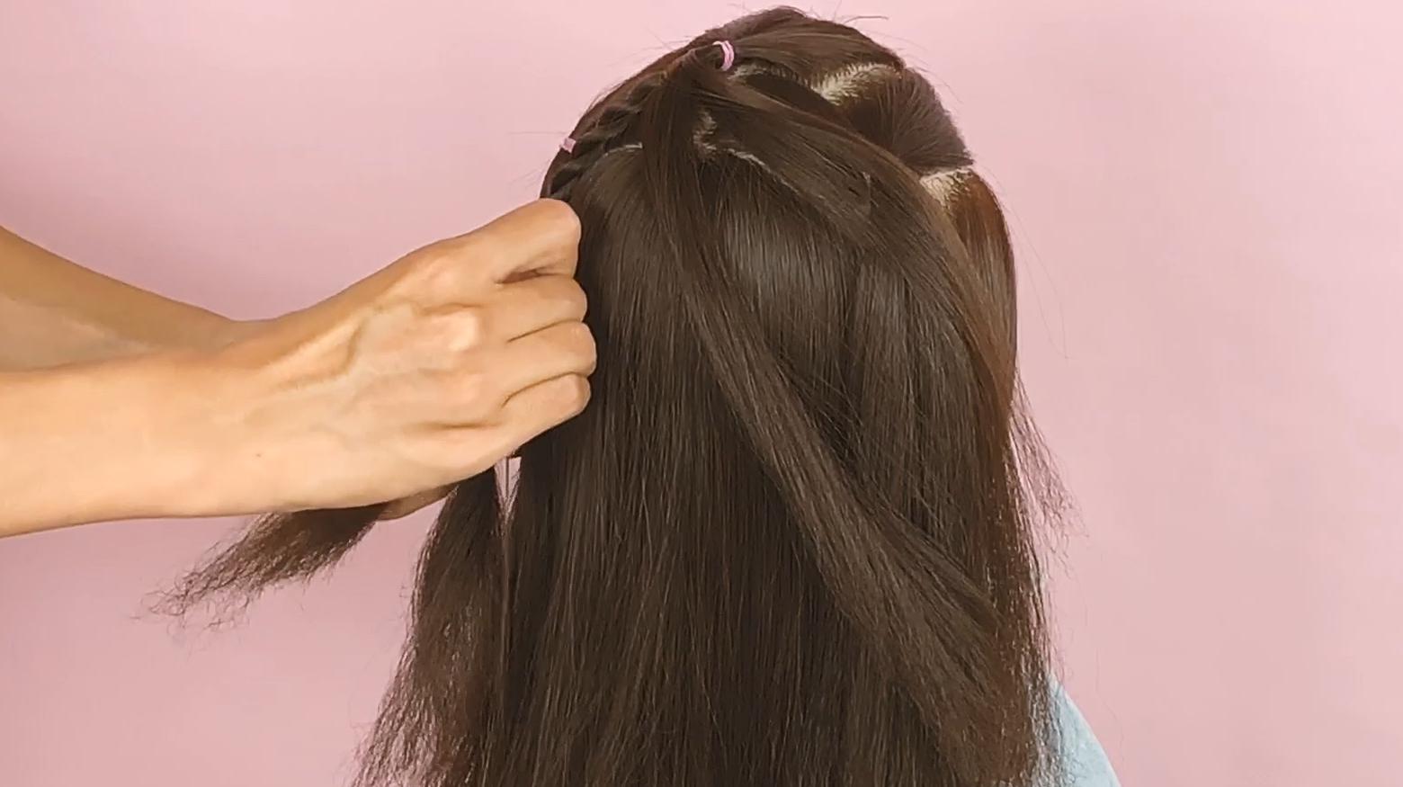 来源:好看视频-甜美活泼的小女孩发型,简单又不易松散,宝妈们不要