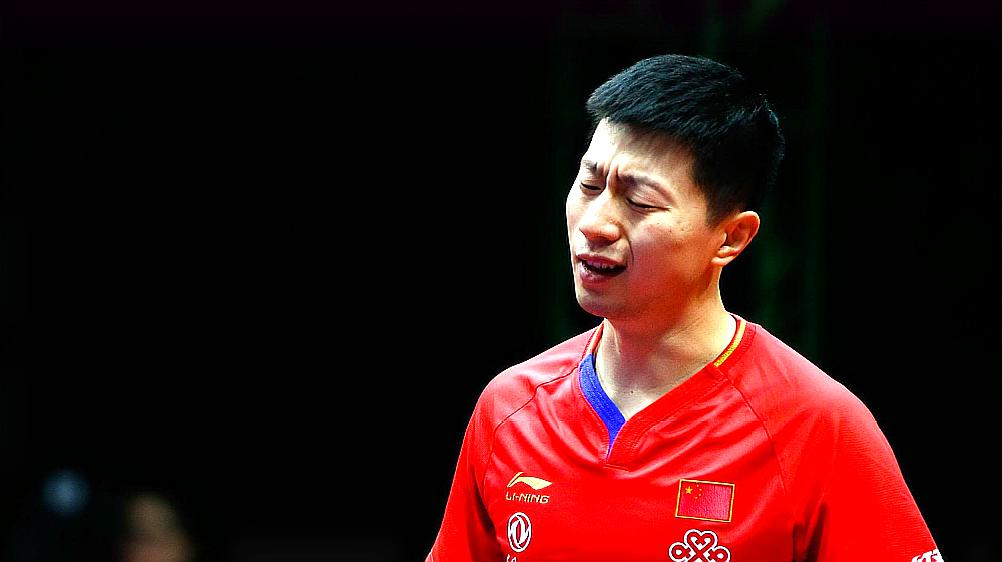 马龙爆冷输给神童张本智和,赛后道出原因,刘国梁满脸的无助