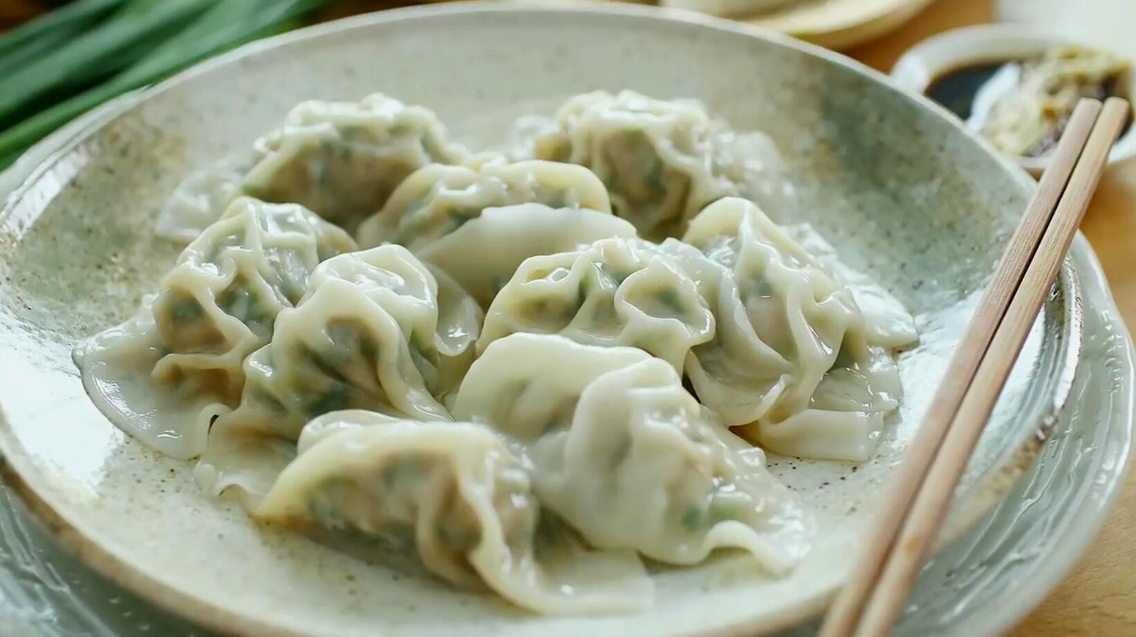 素馅饺子这样做才最好吃,吃起来比肉馅饺子还香,适合老人孩子吃