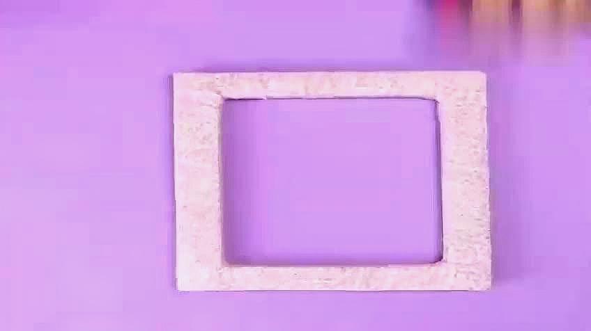 03:57  来源:好看视频-相框手工制作,一张纸也能折出漂亮的立体相框