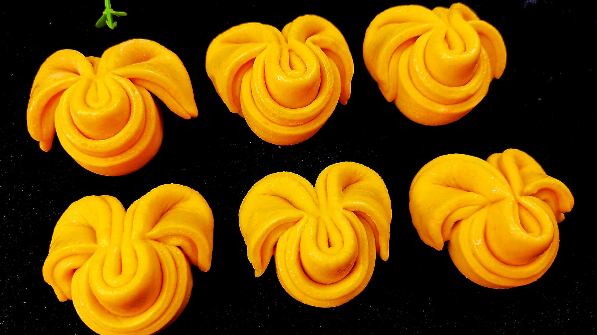用胡萝卜做的创意面点,花样新颖又香又甜,拿来做早餐真不错