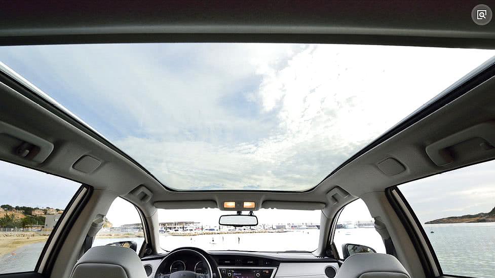 买车到底要不要天窗?老司机来分析其利弊