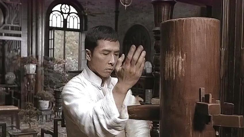 叶问:叶问与三浦终极对决,最后却把他当木桩打,真是解气图片