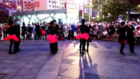 广场舞《浪漫夕》展示夕阳无限美