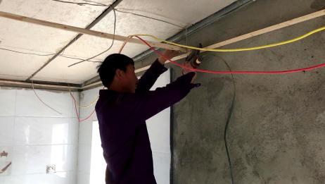 农村大哥装修厨房,吊顶一平方要多少钱?比你们那里贵吗?