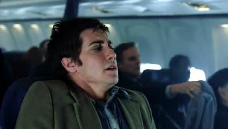 飞机出现意外,遇到强对流天气,乘客们都慌了!