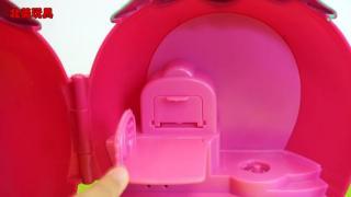 小猪佩奇和凯蒂猫的草莓屋房子,宝宝儿童玩具