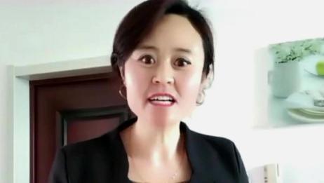 美女学唱评剧《打狗劝夫》,郭德纲代表作之一,唱得不错有味道!