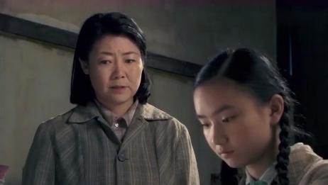 母亲冤枉女儿偷钱,怎料女儿为证清白割断手筋,把母亲当仇人