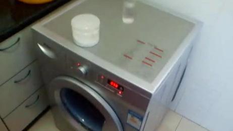 海尔滚筒洗衣机XQG701000J