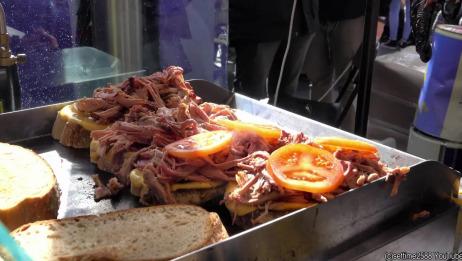 浓厚起司牛排三明治,汉堡肉和培根伦敦街头美食